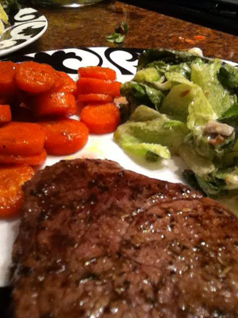 2012 12 09 Thyme and pepper crusted beef tenderloin, maple glazed carrots and Caesar salad